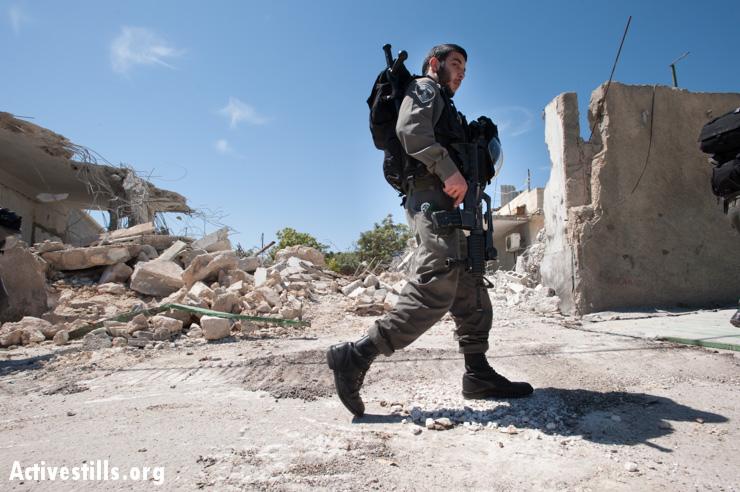 House demolition, Al Tur, East Jerusalem, 24.4.2013