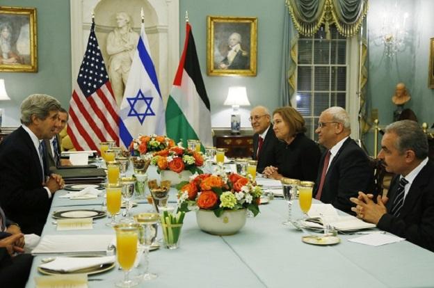 Tzipi Livni, Saeb Erekat, Yitzhak Molcho, Mohammed Shtayyeh, John Kerry