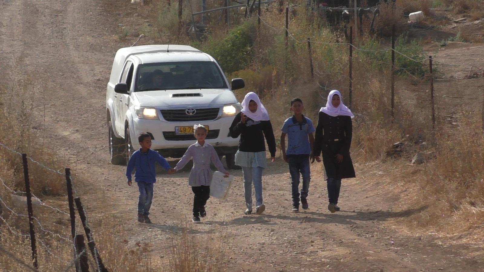 Primo giorno di scuola: il diritto all'istruzione non è ancora garantito nelle colline a sud di Hebron