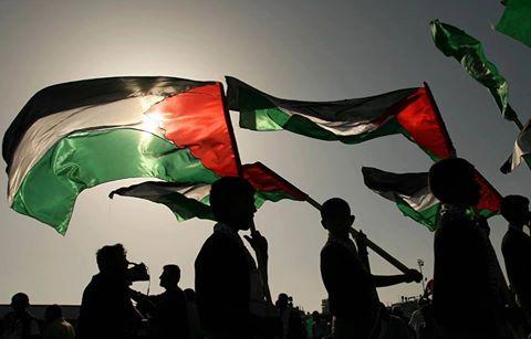 Stasera c'è la partita di calcio Israele-Italia. Una partita come tante altre? Non proprio. RIEMPI I SOCIAL DI BANDIERE PALESTINESI!