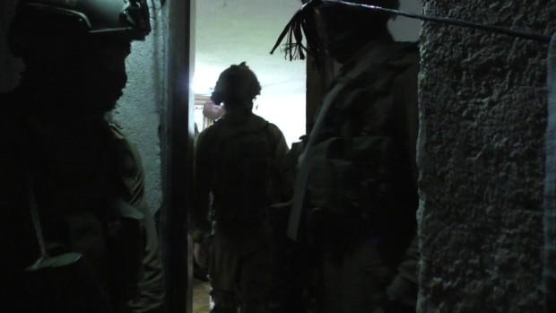 UPDATE: Soldati israeliani fanno incursione nel villaggio palestinese di At-Tuwani.(2 articoli in inglese ed italiano)