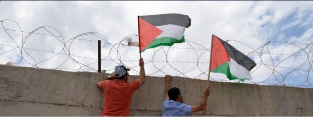 Grande brian eno! Seguiamo il suo coraggioso esempio e boicottiamo israele