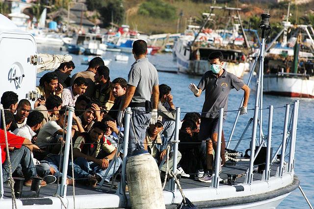 """La """"Repubblica dei migranti"""" sulle sponde del Mediterraneo"""